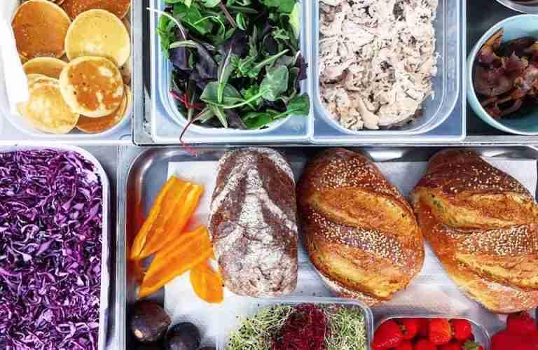 food-18b-fresh-using-digital-waitlist
