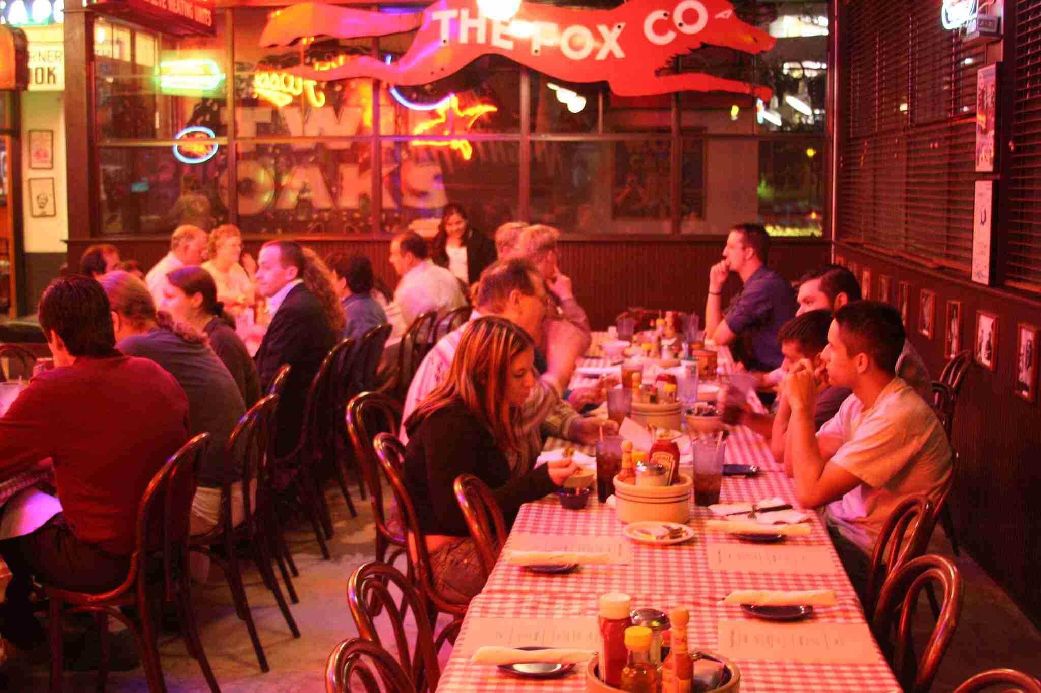 attract-restaurant-customers