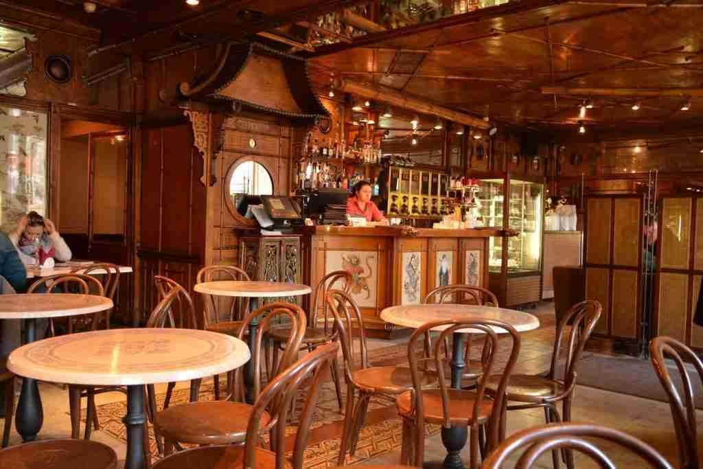 personalise-customer-experience-Chainaya-Loshka-Restaurant