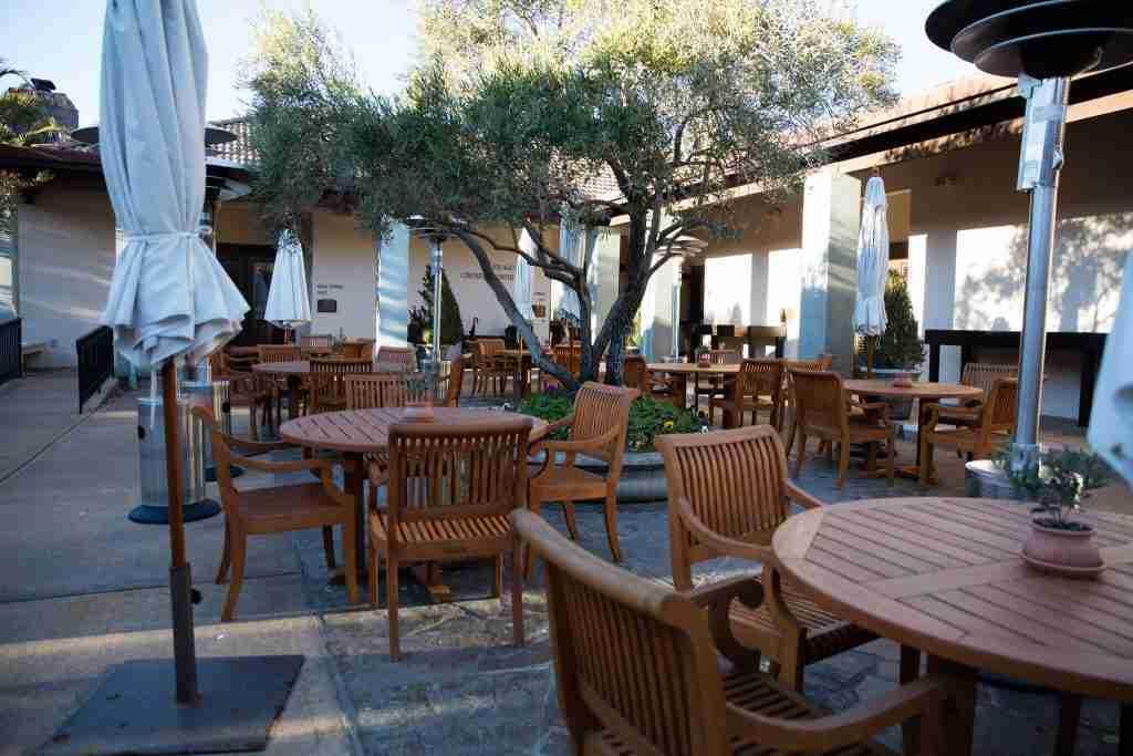 restaurant-app-restauration-Tables-en-bois-WineCountry