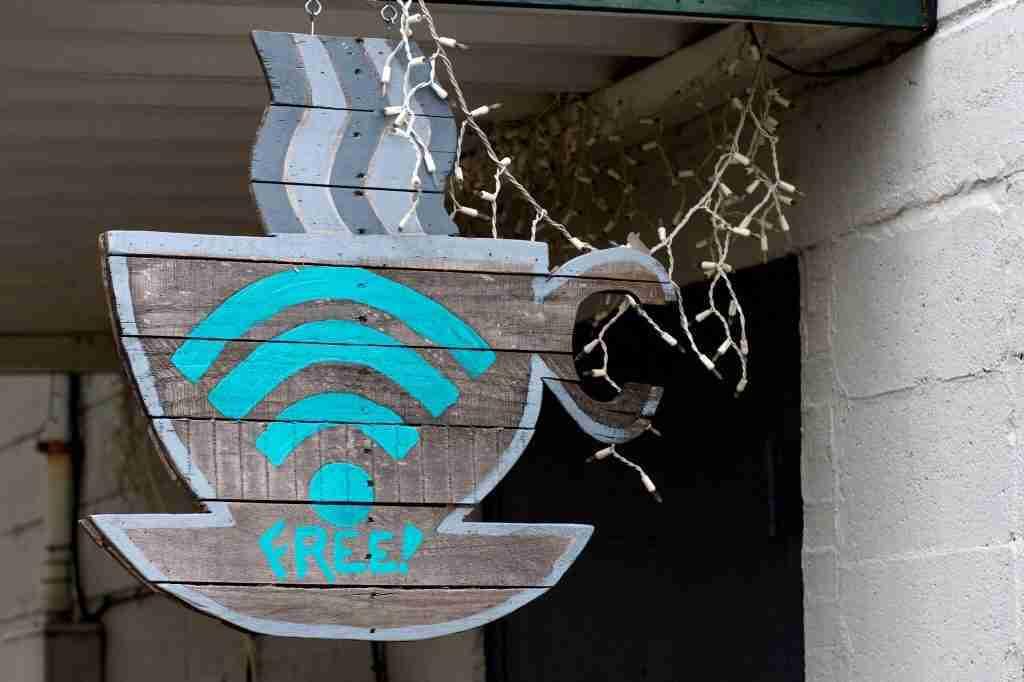attirer-les-clients-de-restaurant-gratuit-en-ce-qui-concerne-le-wifi